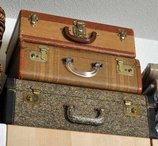 SuitcasesTopShelf